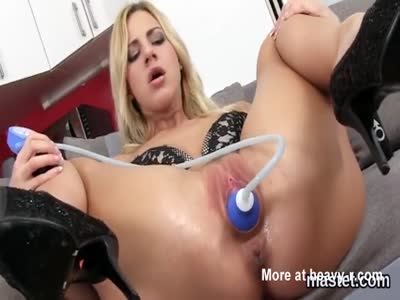 Painful pussy stretching
