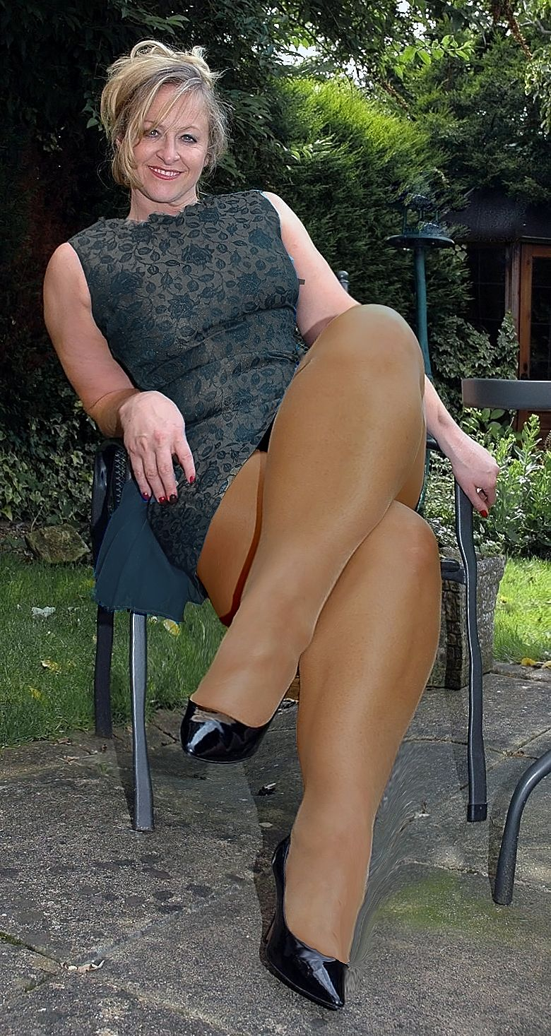 Big thigh matures in pantyhose xxx