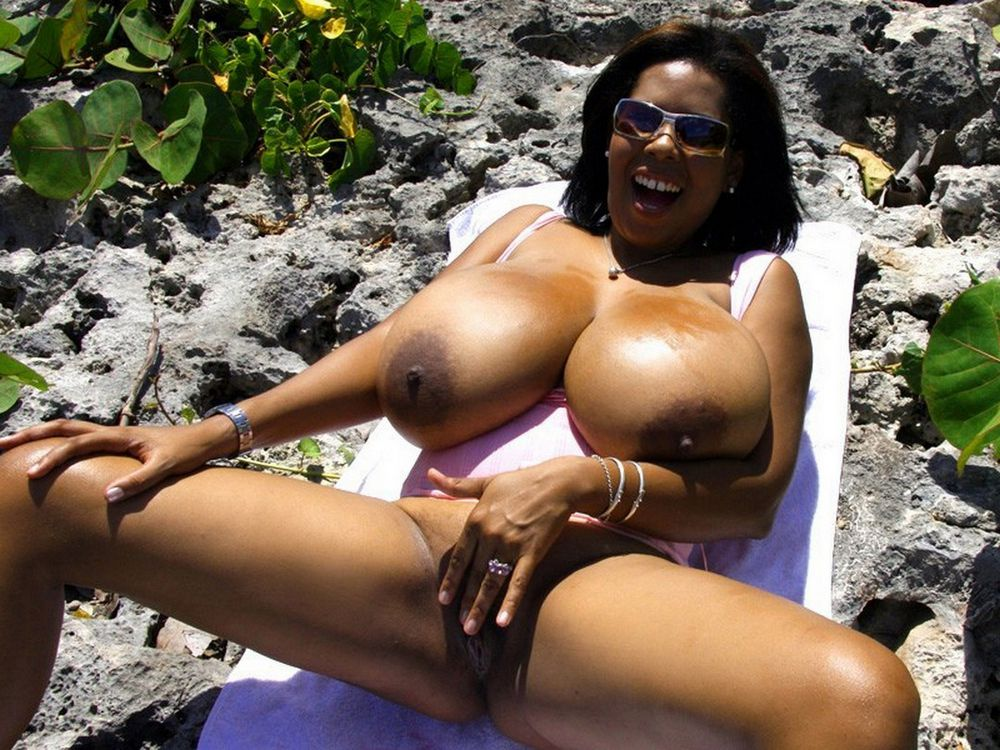 Big breasted blacl woman nude